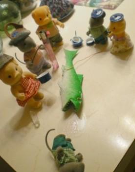Sharky HOOEYS out a mouse!